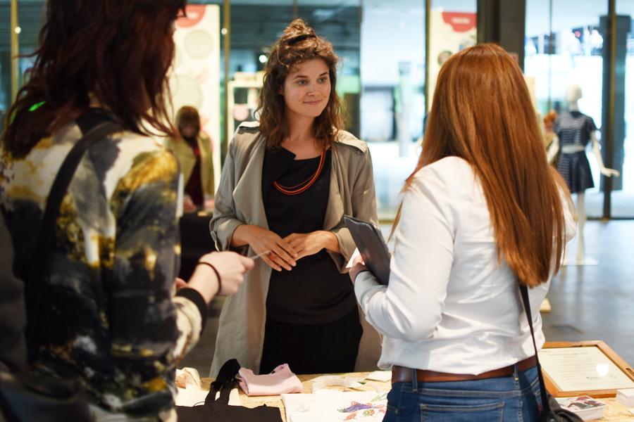 jornada-moda-sostenible-2016-patricia-blas-patygelduck-ana-roso-showroom-gente