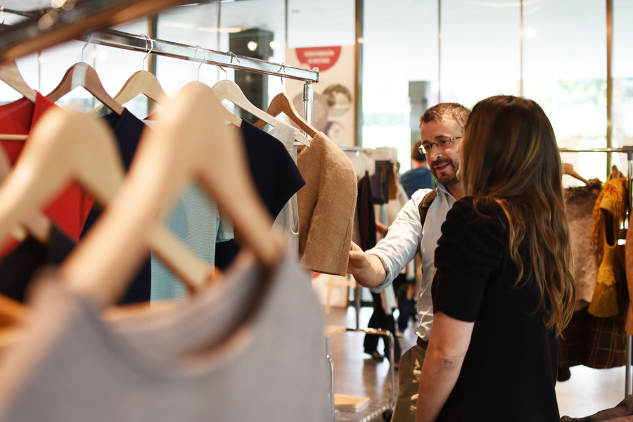 jornada-moda-sostenible-2016-patricia-blas-patygelduck-ana-roso-showroom-perchas