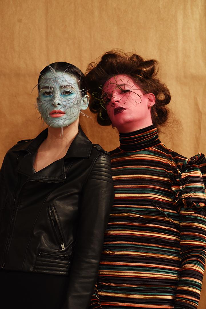 Julieta y Bakuto maquillados por Vanessa Rivero y Patricia R. en el Backstage de Anel Yaos. Foto: Patricia Blas.