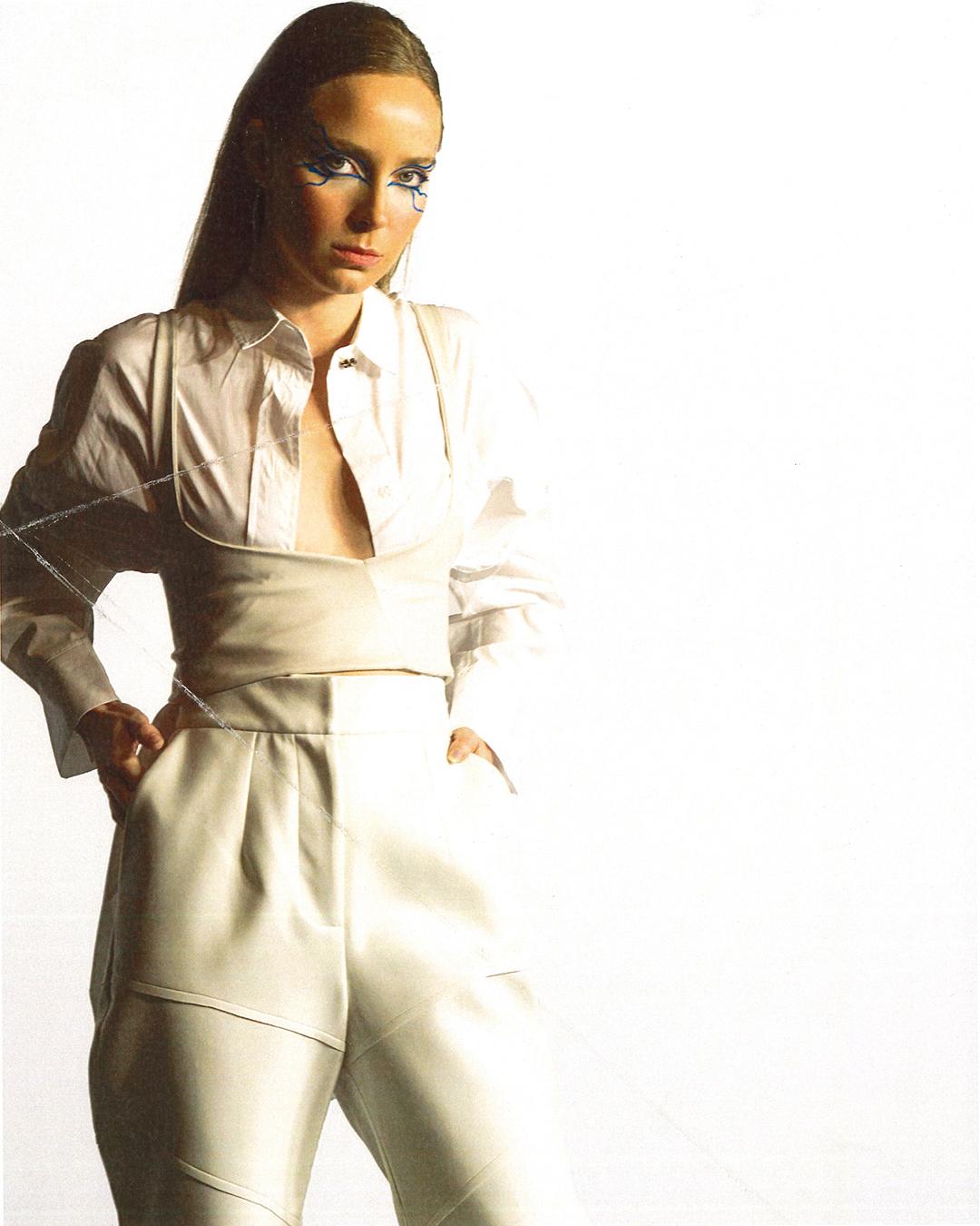 Pantalones MARLO STUDIO / camisa ZARA / corset FÁTIMA MIÑANA / zapatos ZARA