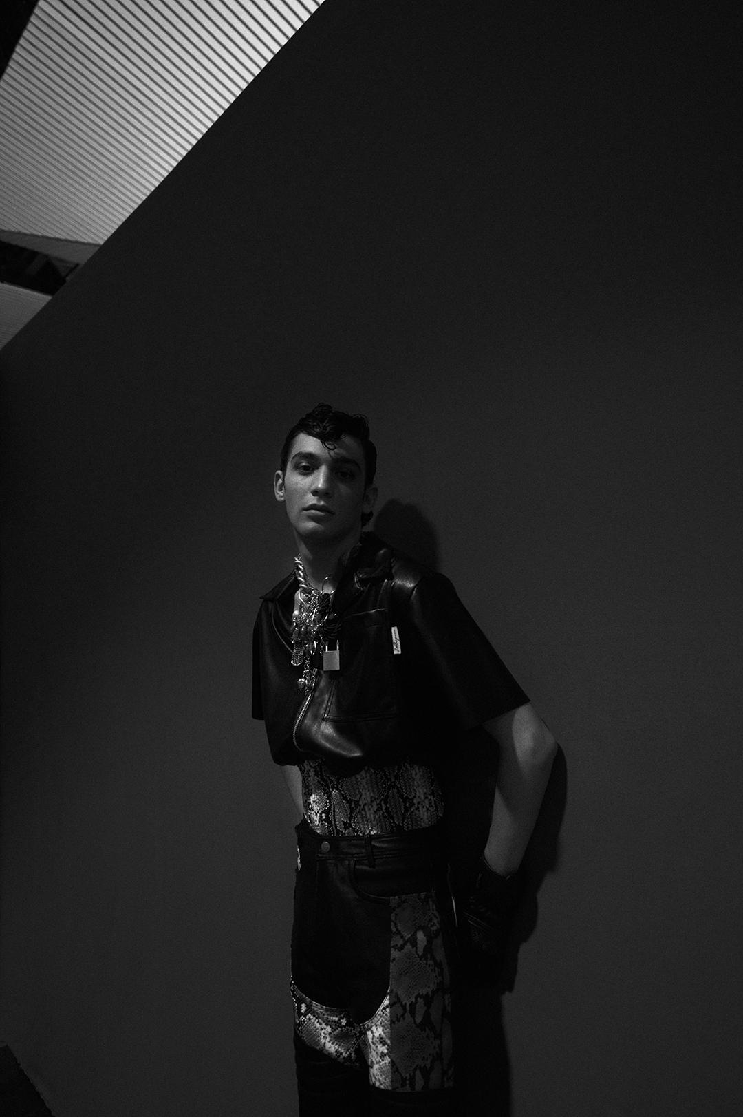 Juan en el Backstage de Velásquez. Foto por Patricia Blas.