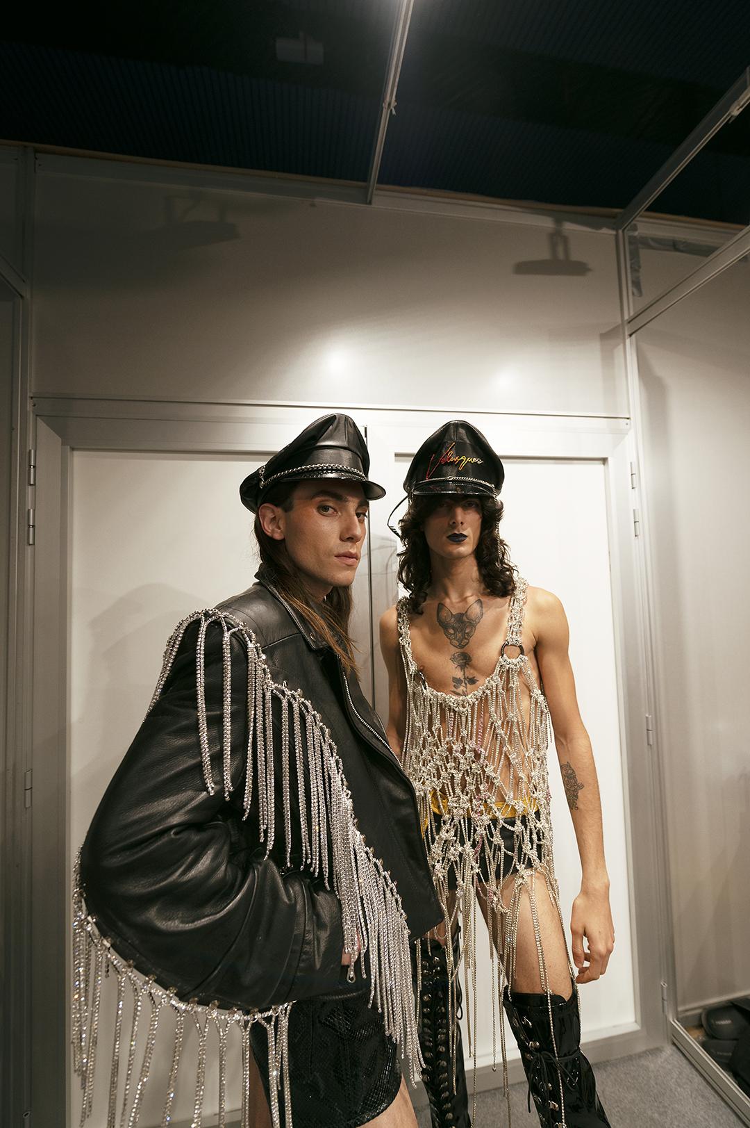 Aritz Kortabarria y Adrián Casani en el Backstage de Velásquez. Foto por Patricia Blas.